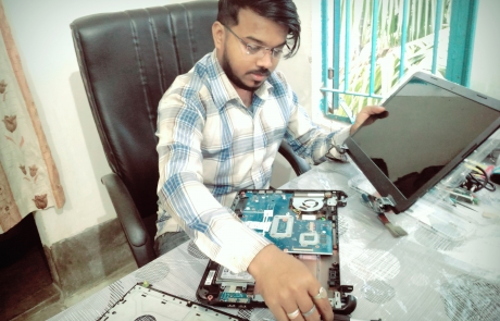 Solution & Service is Best Laptop Service Center in Kolkata